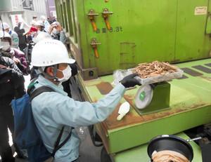 Hospitalized Hidaka city mayor was at incineration test of debris 2 days before