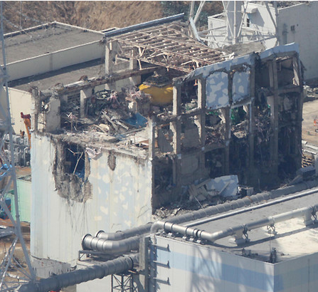 Reactor4 had one explosion and 2 fires in March 2011 3