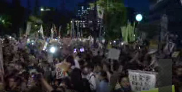 [Live] Over 100,000 people joined the demonstration 3