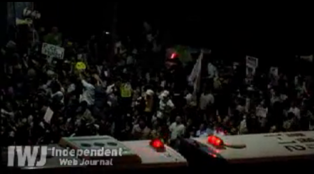 [Live] Demonstration gone out of control. Ordered to stop. 3
