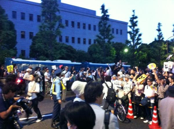 [Photos] Historical demonstration occupied official residence26