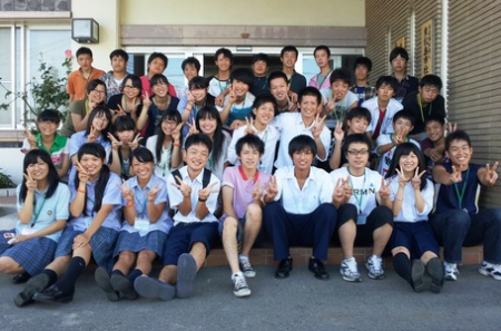 33 high school students from Tochigi worked to sort disaster debris in Miyagi 3