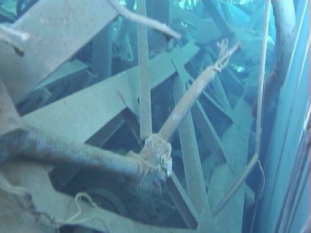 4 Photos and videos of Tepco's SFP investigation in reactor3