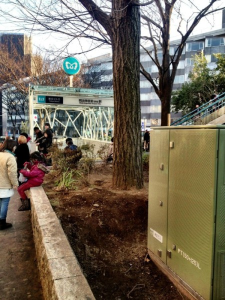 This is where over 20,000 Bq/Kg was measured in front of Harajuku station