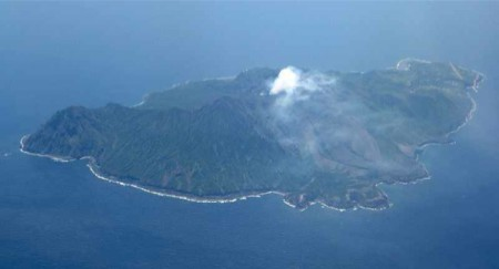 Volcanic earthquake significantly increasing in South offshore of Kyushu