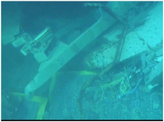 3 Tepco 570 kg of debris dropped on 10 fuel assemblies in SFP3, can't see the fuel but nothing happened - Video