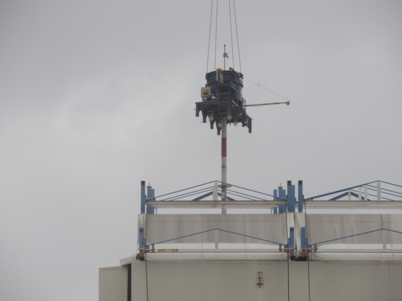 3 Tepco started dismantling Reactor 1 cover - Video