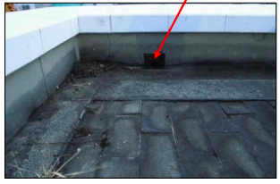 Tepco trying to stop 30,000,000 Bq:m3 of Cs-134:137 water with sandbag and blue sheeting