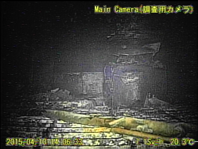 3 Video:Photo The dead robot reported 10 Sv:h in Reactor 1 : Grating covered with something like yellow glue