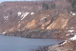 The bottom of the sea rising up in Hokkaido / Land showed up overnight