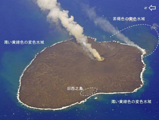 4-Seawater-offshore-the-volcanic-island-
