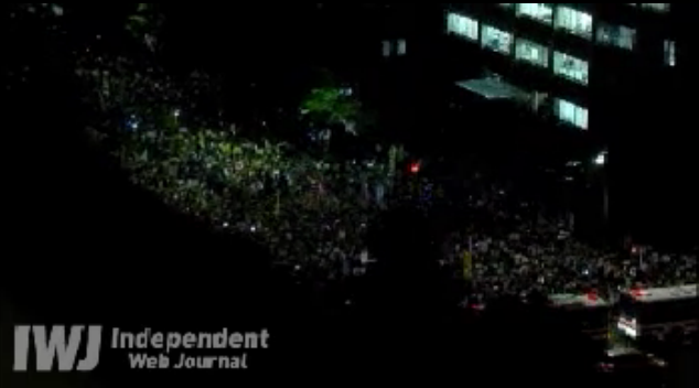 [Live] Demonstration gone out of control. Ordered to stop.