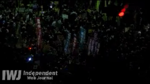 [Live] Demonstration gone out of control. Ordered to stop. 4