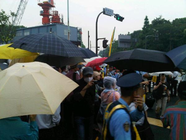 [Live] Massive protest started 8