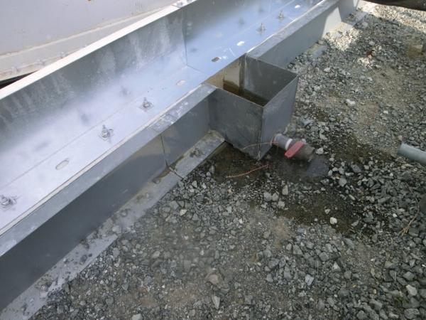 3 Tank area dam water leaked again / Strontium-90 : 140,000 Bq/m3