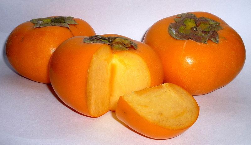 3 [Photos] Malformed persimmon mass-generated in Tokyo and Saitama