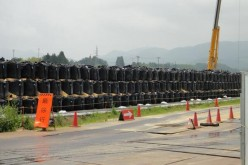 [Photo] A heap of removed soil for decontamination in Minamisoma