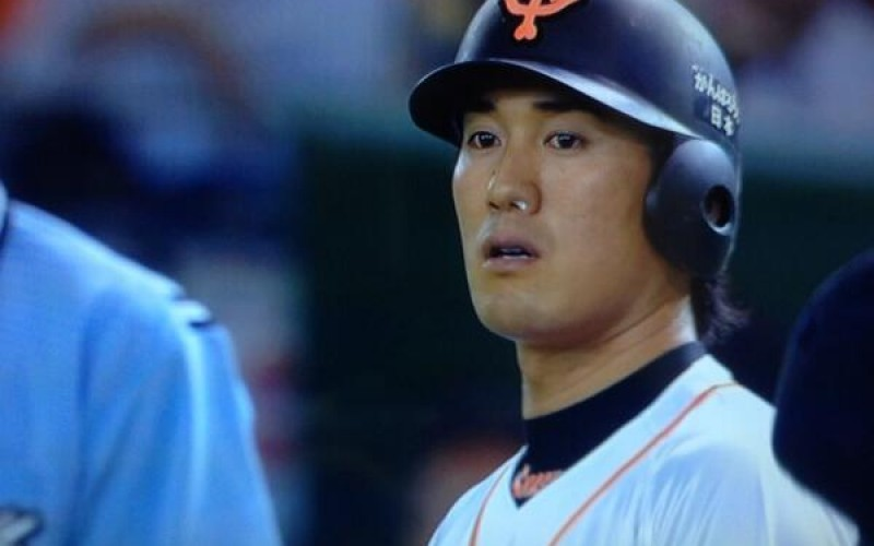 Pro baseball player possibly had nosebleed during a game – photo