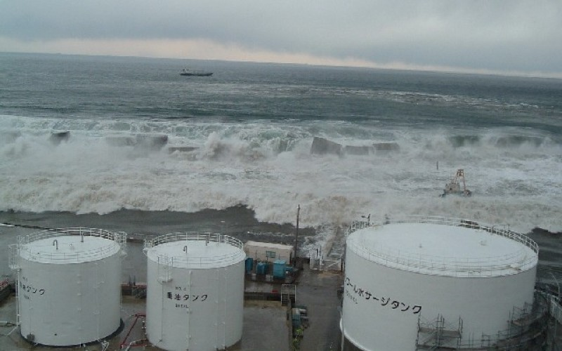 "Fukushima Uni ""800,000,000,000,000 Bq of Cs-137 to reach West coast of North America by 2016"""